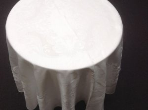 cake-table-cloth